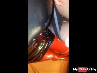 The Milf in Latex course angewichst