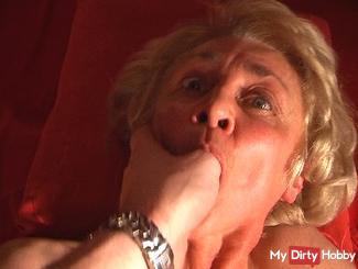 Grandma has just losgepinkelt during the fuck.