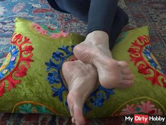 Sexy Feet barefoot foot fetish Part 2