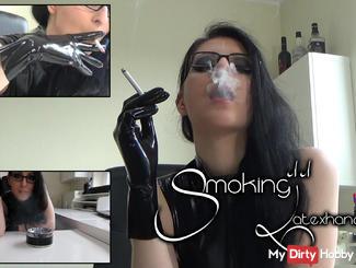 Smoking 11 - Latexgloves