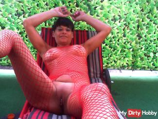 Horny Summer moments of HORNY MILF !!