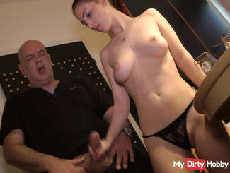 Krass! Daddy watches as his buddy fucks me