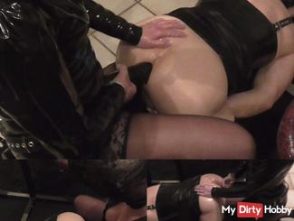 Hooker ass with monster-Strap fucked