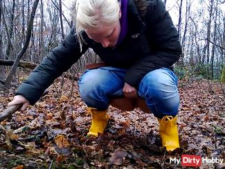 Innocent pissing in the woods