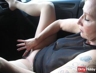 Live orgasm and huge nipples