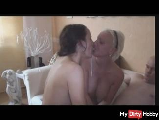 Cum Kisses with Sexy-Mo