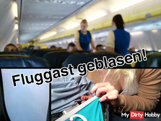 EXTREM PUBLIC : BLOWJOB in the AIRPLANE !!!