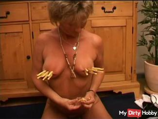 Fetish Video with clothespins, without sound