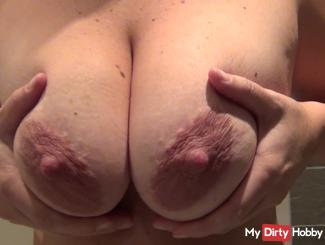 Breasts show