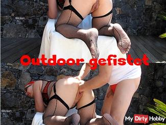 Faustgefickte Outdoor Mare
