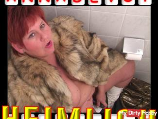 SECURITY CAMERA in public toilet - Dildo un