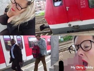 Megakrank!!100%Strassen-Public..am Bahnsteig!