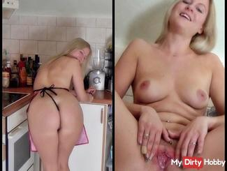Friend of my sister fucked !!!