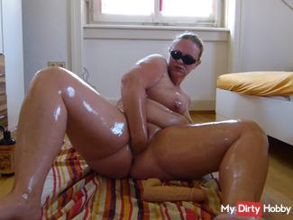 Oil games with intrinsically Fist and dildo