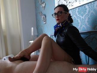 Nylon feet and leather gloves