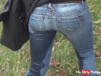 Darn Bahn - pissing in the jeans