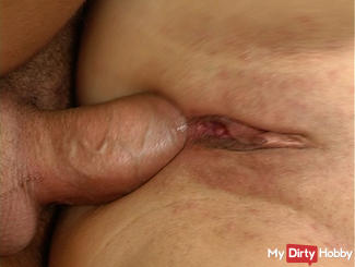 Alarm in the gut Mega cock in ass