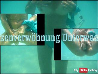 Fotzenverwöhnung underwater