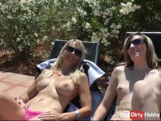 Riesige Titten Dreier am Pool