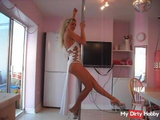 private pole/lap dance part 1....