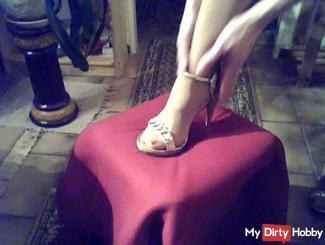 Beautiful feet in Higheels .....