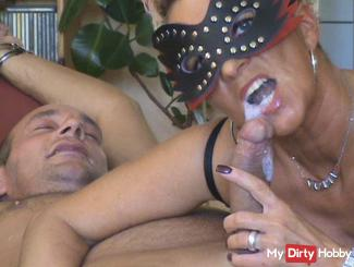 Date Blowjob with mask,