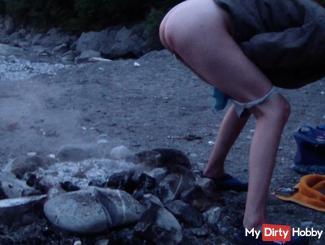 Public fire piss HD Video