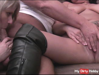 Fucking, blowing and spraying a threesome