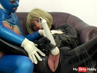 2 horny rubberwomen enjoy...