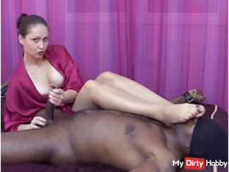FORCED CUMSHOT WITH FOOT SMELLING