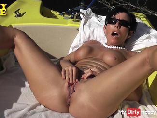 CONNY LOVE - Summer, sun and sex