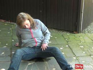 Pissing in my jeans 2