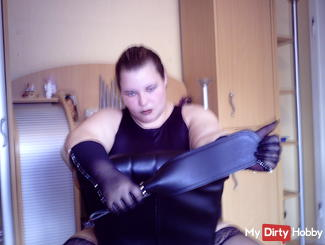 Mistress of the mud worms punish my slaves rat part 1