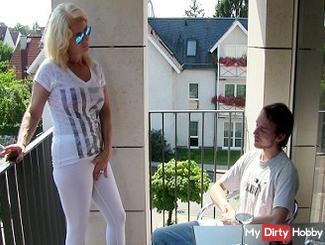 Jan (18) impregnates his aunt !!!