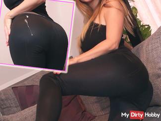 Spray your cream on my leggings-ass!