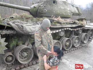 !!! Secretly filmed on the tanks