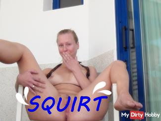 Risky Squirt on the terrace