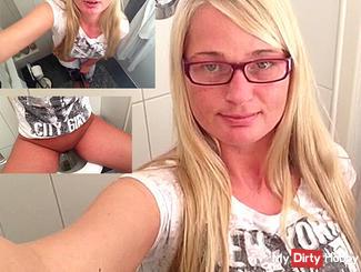 Mega horny Selfie Piss !!