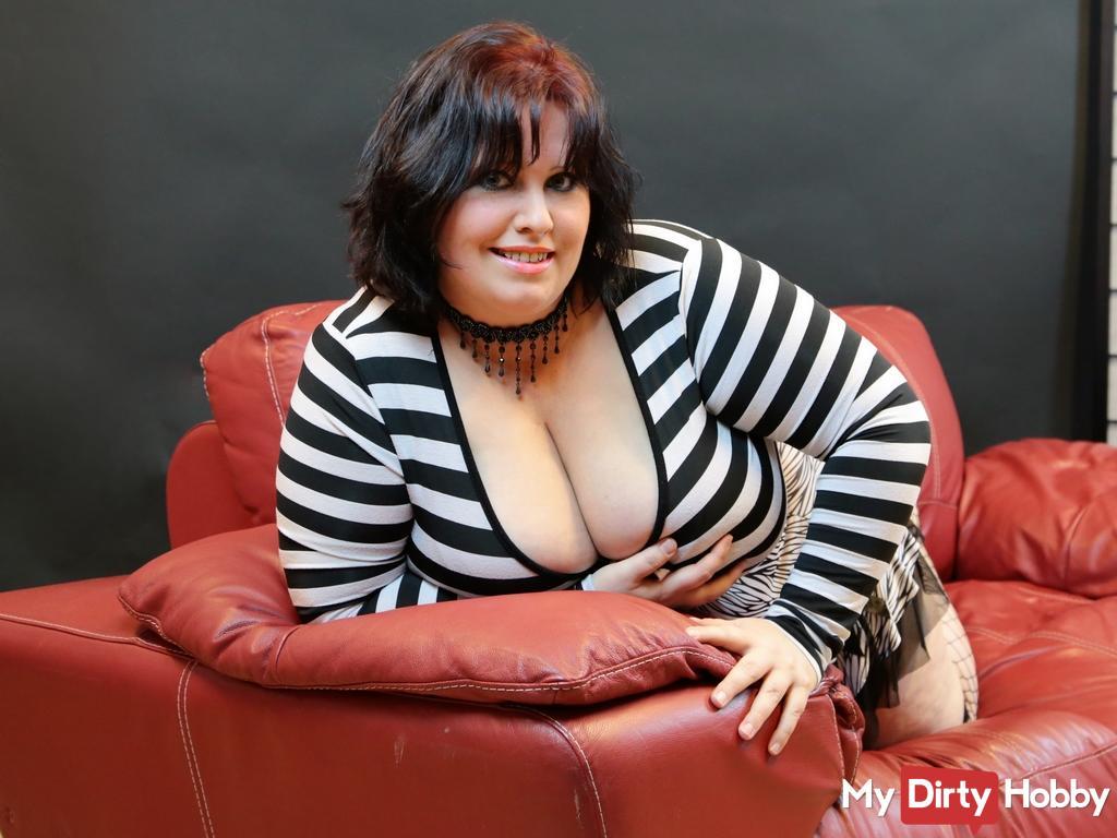 mega große brüste