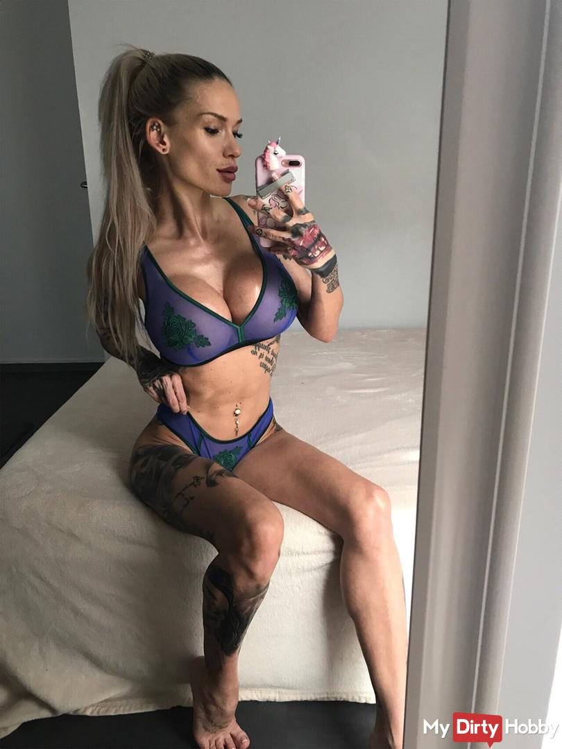 Lillyfee-Squirt Amateur Porn and Sex Videos | MyDirtyHobby