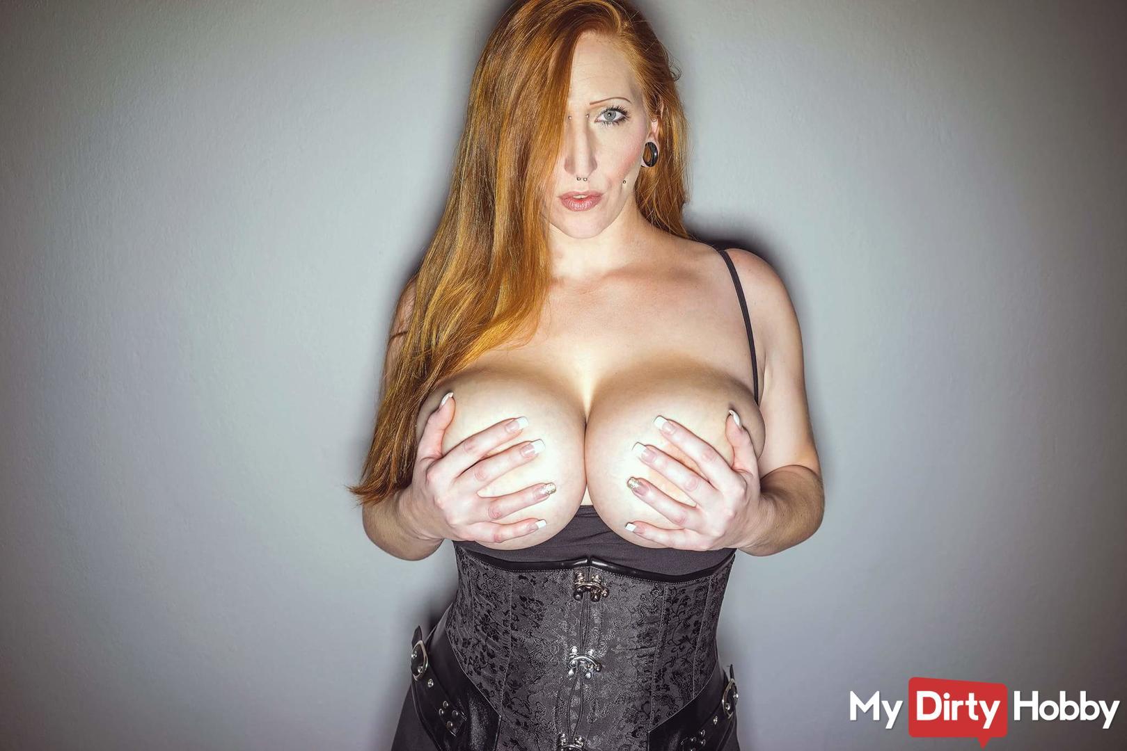naked maria moore cumshot