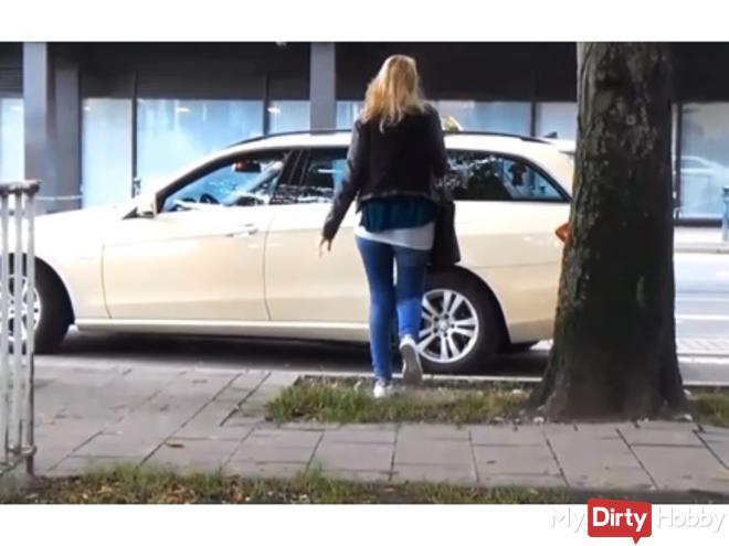 Taxi-Spermafahrt+Public Toiletten Fick!!