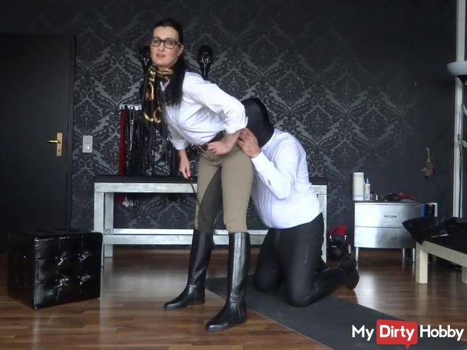 Short clip with the stable boy - riding outfit