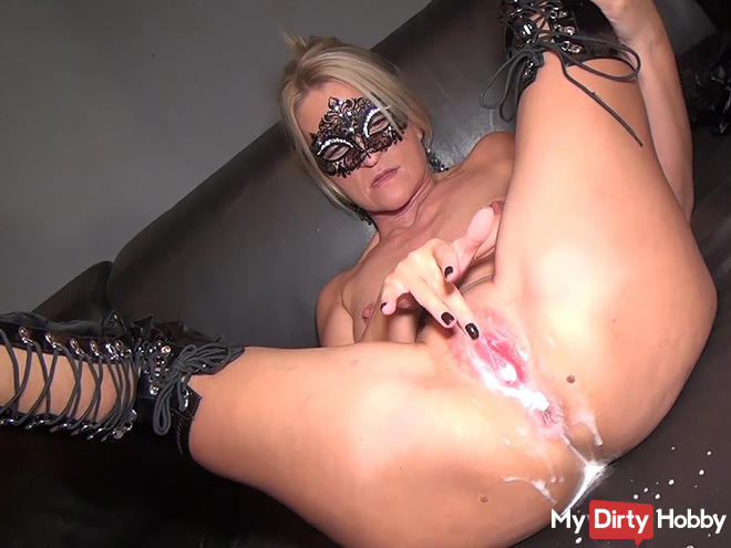 Milf pussy completely flooded