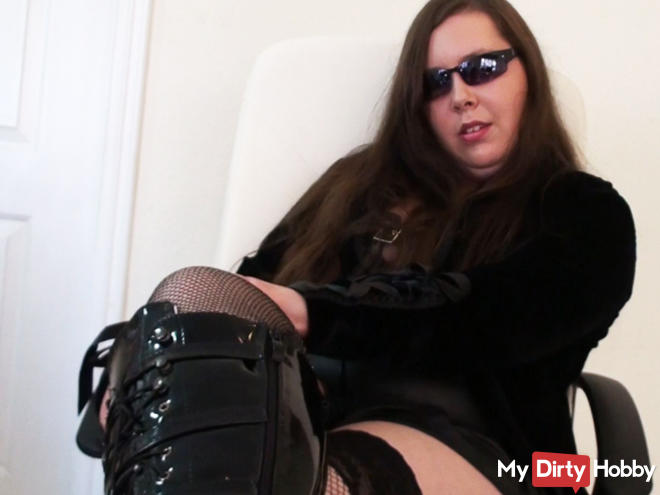 BOOTS DELICIOUS lot, lick my boots clean!