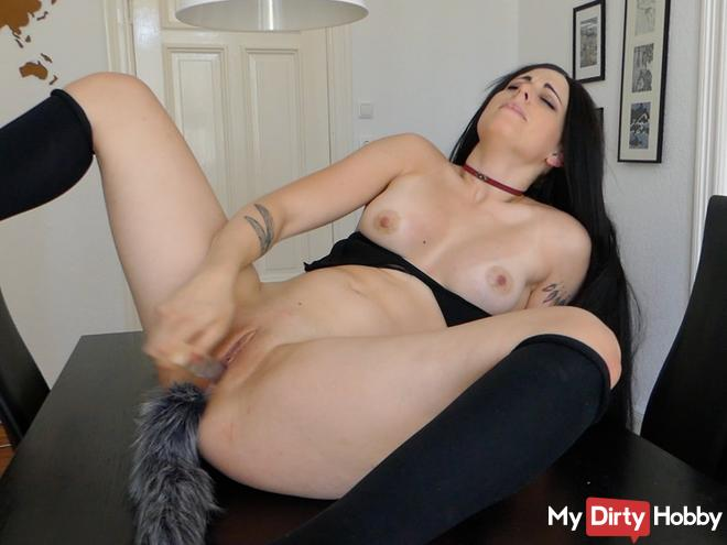 * horny vixen makes it with her glass dildo!