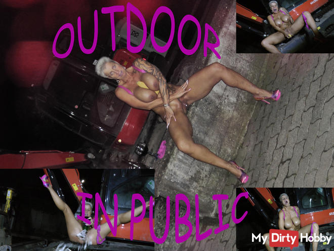 OUTDOOR ... in PUBLIC ... I love that !!