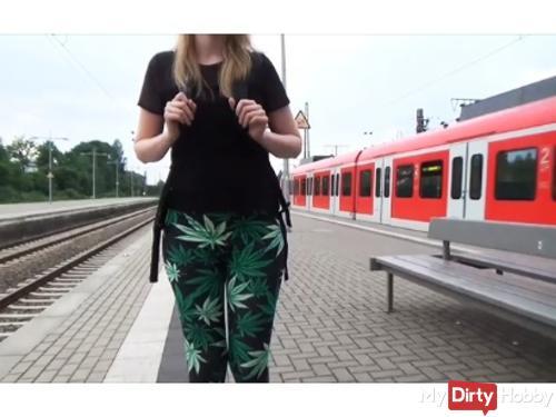 Before school !!! Sick train ride * Blowjob + Cumshot *