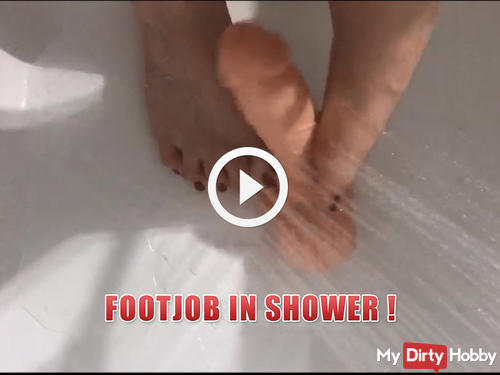 Footjob in shower !