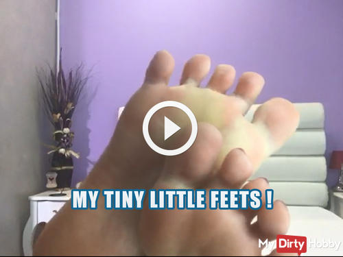 My tiny little feets ! Video for foot lovers !